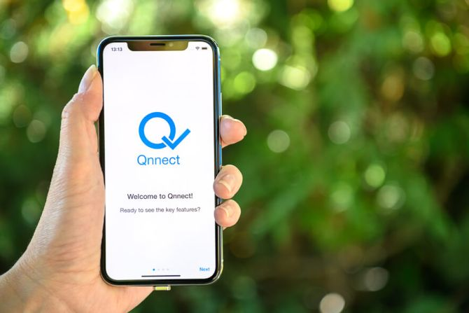 Qnnect: Secure communication